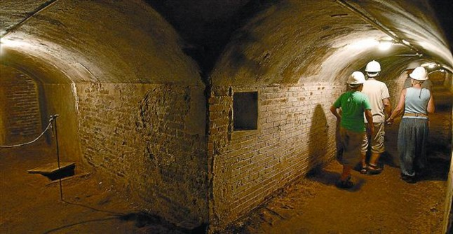 Inside 307 Bomb Shelter| Visit Barcelona With Family
